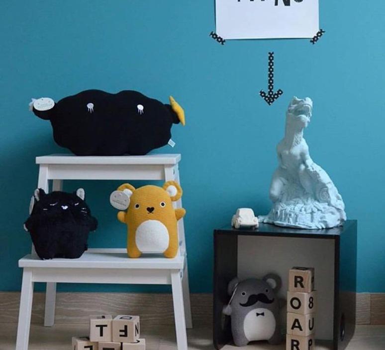 lampe enfant dinoroar vert menthe h28cm goodnight light luminaires nedgis. Black Bedroom Furniture Sets. Home Design Ideas
