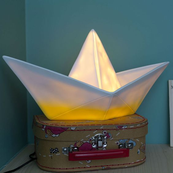 Lampe enfant veilleuse bateau blanc jaune l32cm - Veilleuse pour salon ...