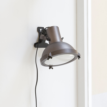 Lampe pince projecteur 165 moka l16cm h22cm nemo lighting normal