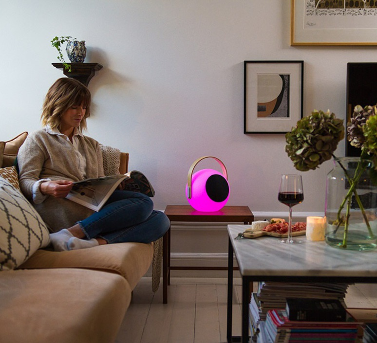 Eye speaker  luminaire connecte wireless light  mooni eys 0970 001  design signed nedgis 69265 product