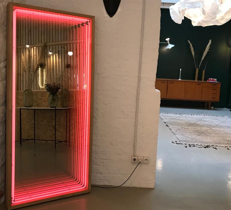 Miroir maxi benjamin mery mobilier lumineux furniture  lumneo maxi02840301  design signed nedgis 71407 product