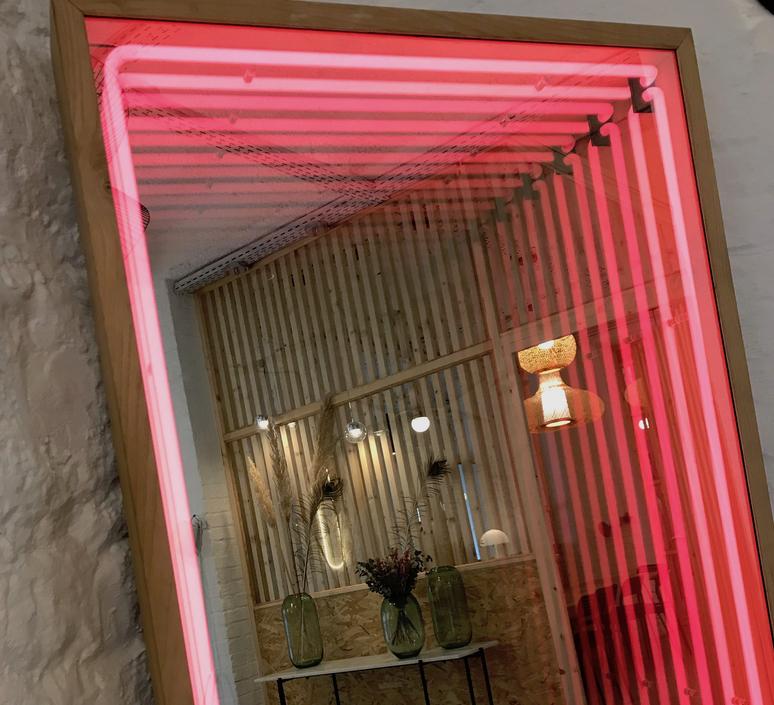 Miroir maxi benjamin mery mobilier lumineux furniture  lumneo maxi02840301  design signed nedgis 71408 product