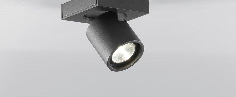 Plafonnier focus 1 noir led 3000k 540lm l10cm h10cm light point normal