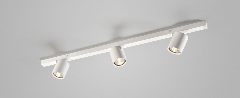 Plafonnier focus mini 3 blanc led 876 lm 3000k l70cm h8cm light point normal