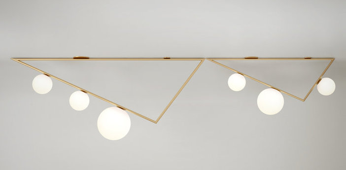 Plafonnier triangle 3 1 5m laiton l150cm h50cm atelier areti normal