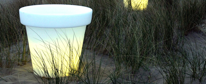 Pot lumineux d 39 ext rieur pot blanc 44cm bloom for Pot lumineux exterieur solaire