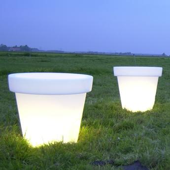 pot lumineux d 39 ext rieur pot blanc 99cm bloom holland nedgis. Black Bedroom Furniture Sets. Home Design Ideas
