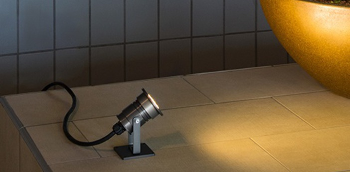 Projecteur exterieur decoratif dasar alu anodise a fixer h10 8cm slv normal