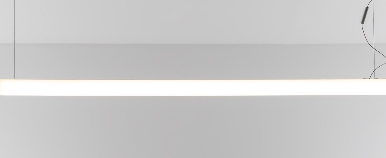 Suspension alphabet of light linear blanc led l120cm h10cm artemide normal