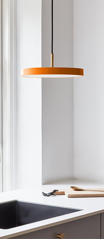 Suspension asteria mini orange et laiton led 3000k 1200lm o31cm h10 5cm umage normal