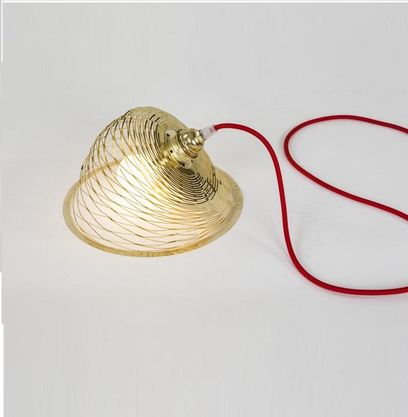 suspension aurora laiton 30cm c ble textile rouge caino luminaires nedgis. Black Bedroom Furniture Sets. Home Design Ideas