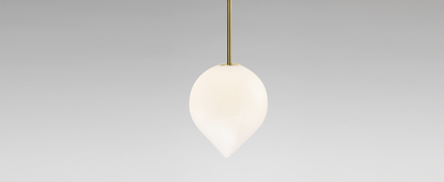 Suspension bob blanc et laiton o15cm h18cm anastassiades studio normal