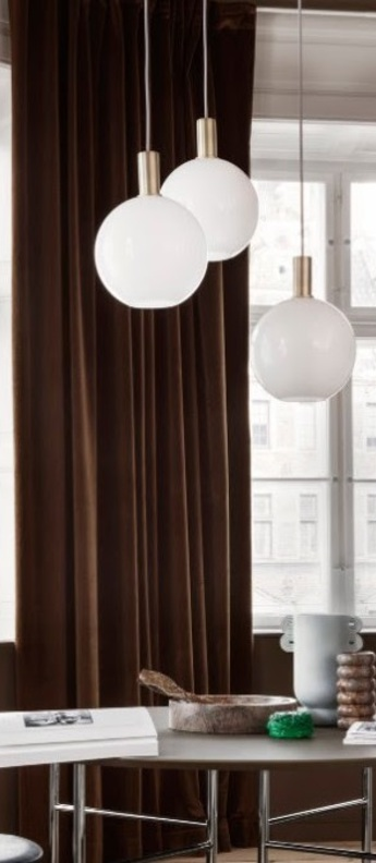 Suspension collect lighting laiton et sphere blanc brillant o25cm h40cm ferm living normal