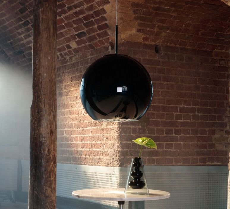 suspension copper round noir 45cm h40cm tom dixon luminaires nedgis. Black Bedroom Furniture Sets. Home Design Ideas