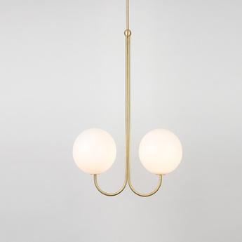 Suspension double angle blanc et laiton l42cm h63 4cm anastassiades studio normal