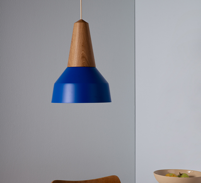 Eikon basic julia mulling et niklas jessen suspension pendant light  schneid eikon basic oak true blue white canopy  design signed nedgis 106480 product