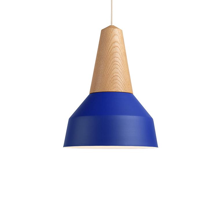 Eikon basic julia mulling et niklas jessen suspension pendant light  schneid eikon basic oak true blue white canopy  design signed nedgis 106481 product