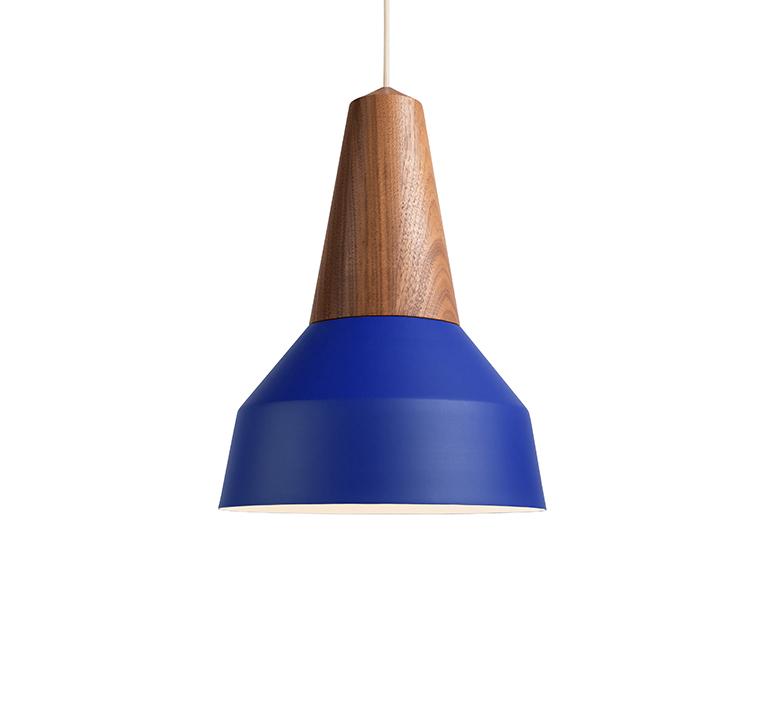 Eikon basic julia mulling et niklas jessen schneid eikon basic walnut blue luminaire lighting design signed 106425 product