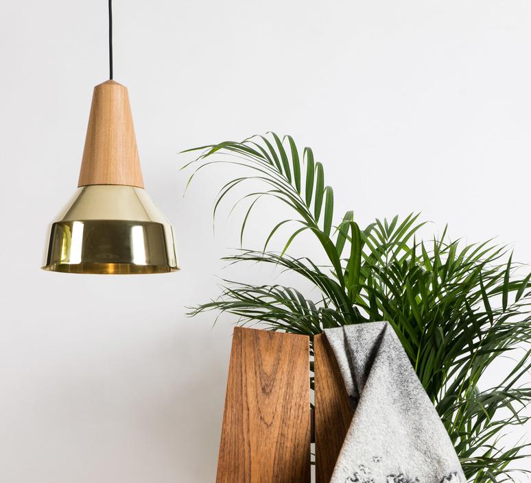 Eikon ray julia mulling et niklas jessen schneid ray gold luminaire lighting design signed 25055 product