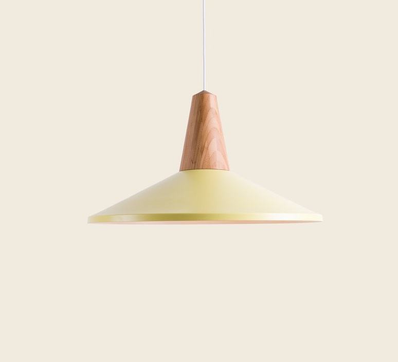 Eikon shell julia mulling et niklas jessen suspension pendant light  schneid eikon shell jaune noyer  design signed 88932 product