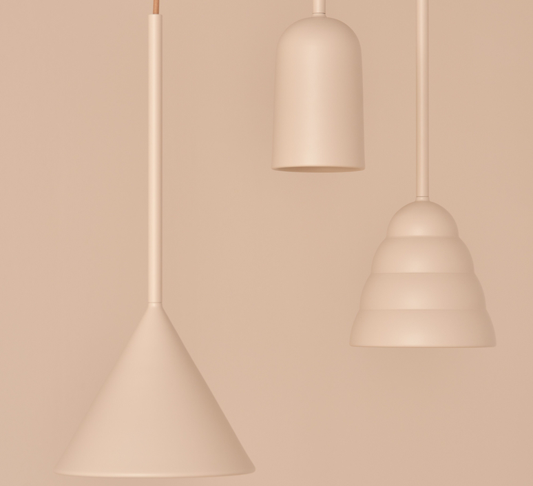 Figura stream julia mulling et niklas jessen suspension pendant light  schneid figura stream beige  design signed nedgis 65985 product