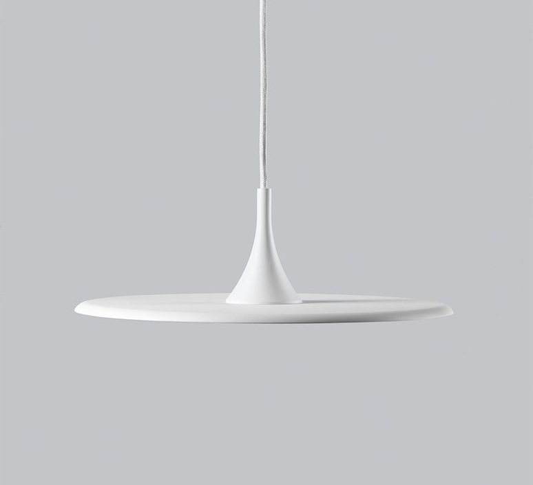 Flat ronni gol suspension pendant light  light point 280400  design signed 41266 product