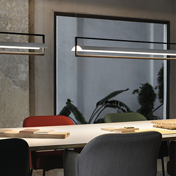 Suspension kontur 6436 blanc et noir led 2700k 2907lm o16cm h122cm vibia normal