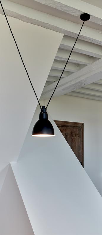 Suspension les acrobates de gras n 323 noir interieur blanc o17cm h17cm dcw editions paris normal