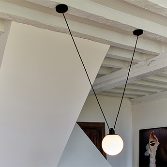 Suspension les acrobates de gras n 323 opalin o17 5cm h17 5cm dcw editions paris normal