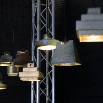Suspension lustre light wedge iridescent l14cm h14cm tom dixon normal