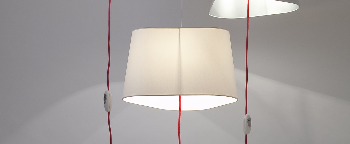 Suspension nomade grand nuage blanc rouge o43cm designheure normal
