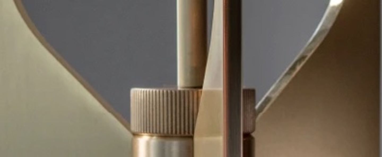 Suspension pennon laiton verre opalin o14cm h42cm bert frank normal