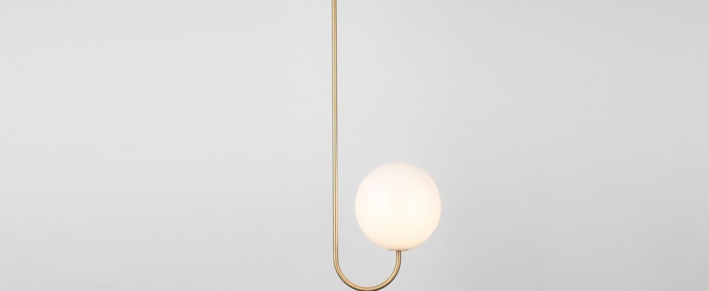 Suspension single angle blanc et laiton l21 5cm h63 4cm anastassiades studio normal