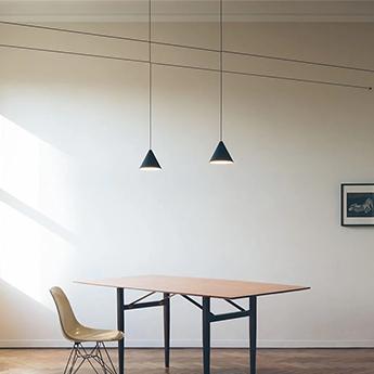 Suspension string light cone 22m alimentation sol noir led 2700k 1033lm o19cm h16cm flos normal