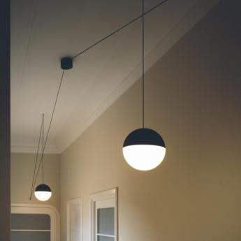 Suspension string light sphere noir et blanc o19cm flos normal