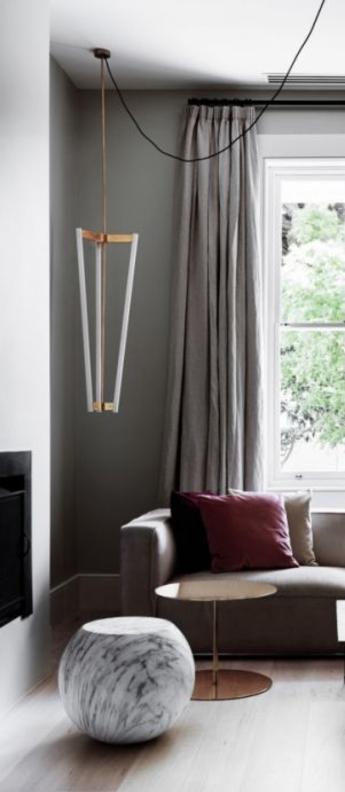 Suspension tube blanc et laiton led o32 6cm h100cm anastassiades studio normal
