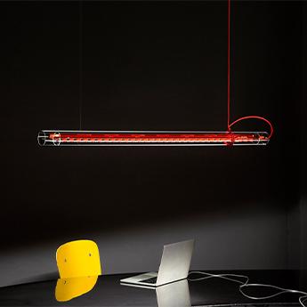 Suspension tubular rouge led 3000k 2800lm l125cm h6cm ingo maurer normal