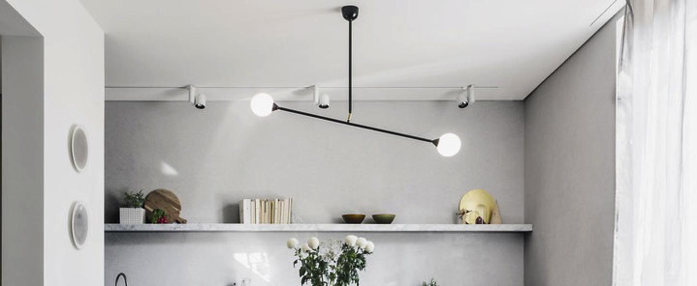 Suspension two spheres noir et blanc h66cm l90cm atelier areti normal