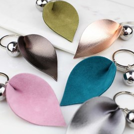 Leaf Shaped Leather And Metal Keyring