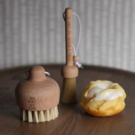 'No Dirt No Fun' Kitchen Brush