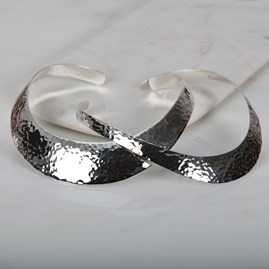 Stunning Solid Silver Hammered Torque