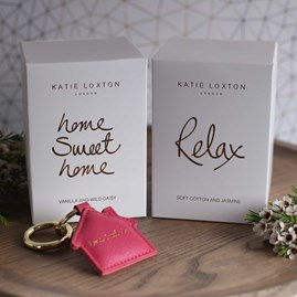 'Home Sweet Home' Vanilla And Wild Daisy Scented Candle