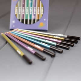8 Metallic Colouring Pencils