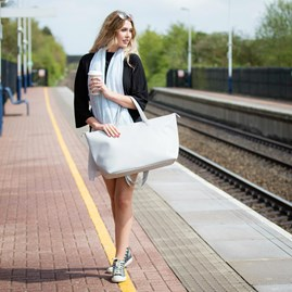 Katie Loxton 'Love Life' Designer Pistachio Scarf