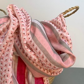 Little Squares Tassel Scarf In Pink