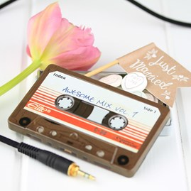 Amazing Mix Tape Tins For Wedding Favours