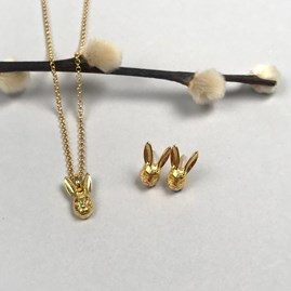 Personalised 18ct Gold Hare Necklace