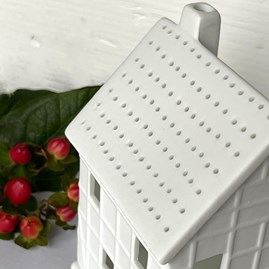 Porcelain Half-Timbered House Tealight Holder