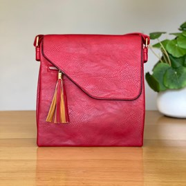 Cross Body Bag With Tassel in Red