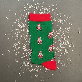 Men's Bamboo Pixel Santa Socks In Green